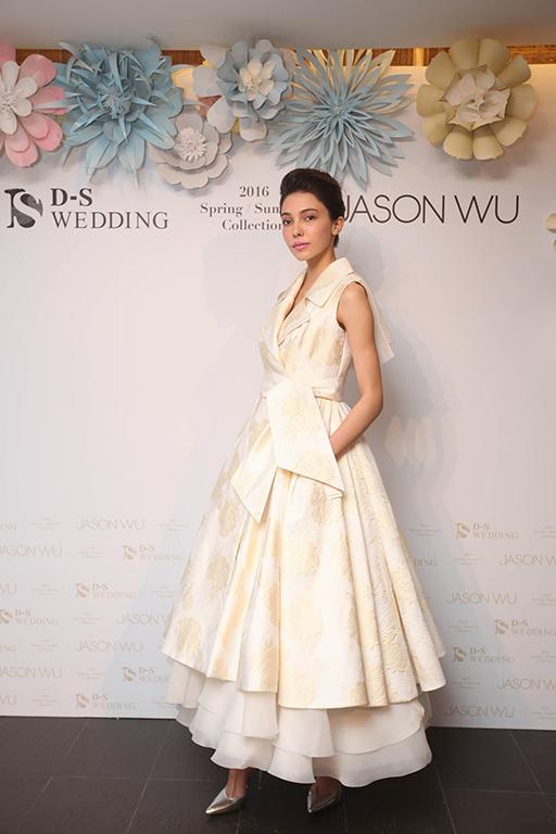 0419 2016 D-S Wedding春夏「Blossom綻放」x Jason Wu禮服發表會_織錦緞風衣短裙