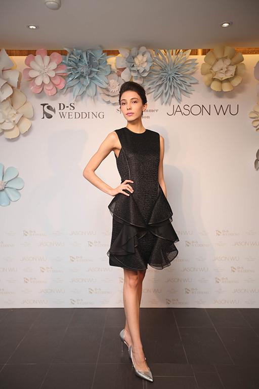 0419 2016 D-S Wedding春夏「Blossom綻放」x Jason Wu禮服發表會_Jason Wu黑色圓領荷葉洋裝