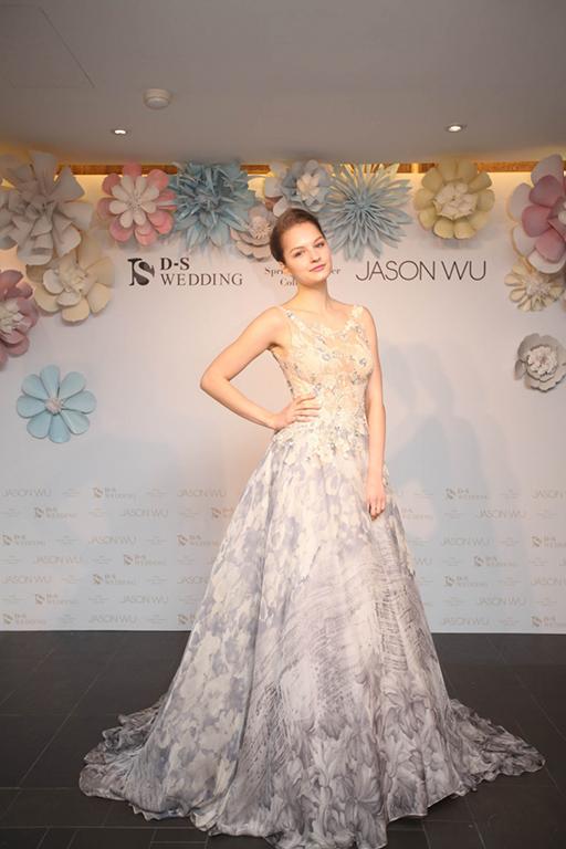 0419 2016 D-S Wedding春夏「Blossom綻放」x Jason Wu禮服發表會_冰灰透膚印花雪紡 NTD$225,000_0